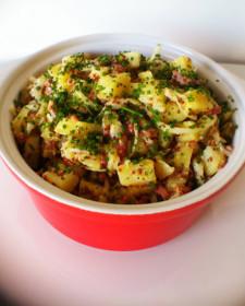 Echte kartoffelsalat – Duitse aardappelsalade