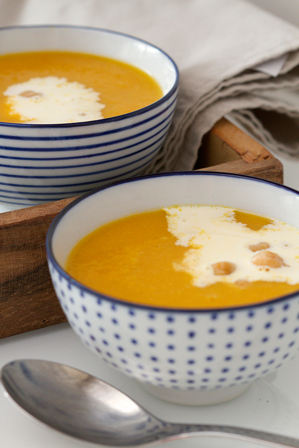 Wortel-kikkererwten soep