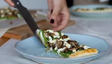 Plaattaart met champignons en boontjes