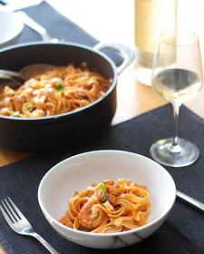 Tagliatelle met scampi en tomaat