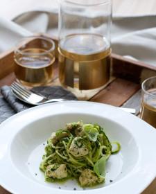 Courgetti met kip en pesto van spinazie