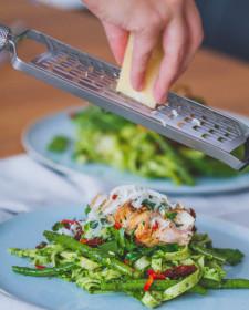 Verse pasta met kip en spinaziepesto