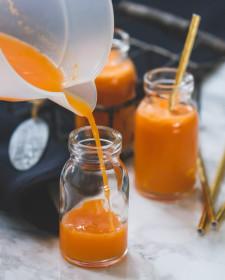 Appel- wortelsap met gember