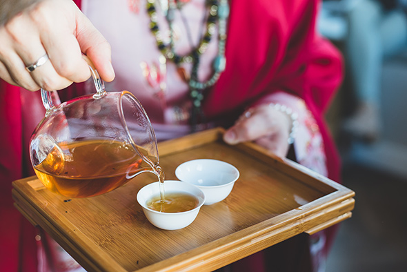 Een kopje thee zetten, hoe doe je dat?