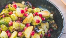 Spruitjes met granaatappel