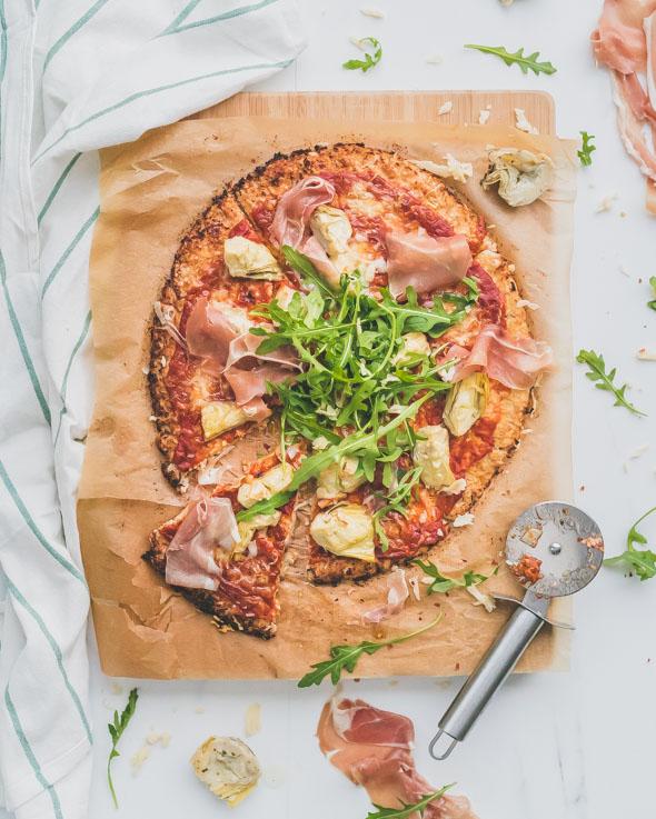 Bloemkoolpizza met Ganda Ham en artisjok